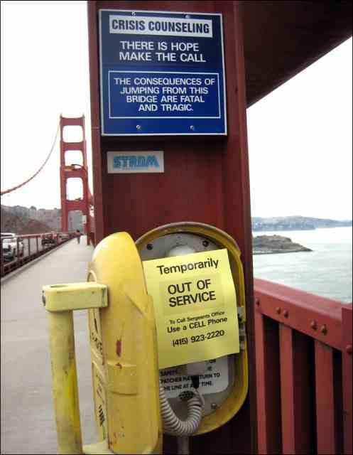 Foto cabina telefonica defecta