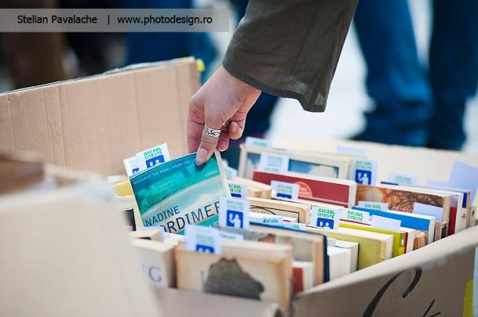 Foto cutia de carti pentru Lecturi Urbane de Bacau