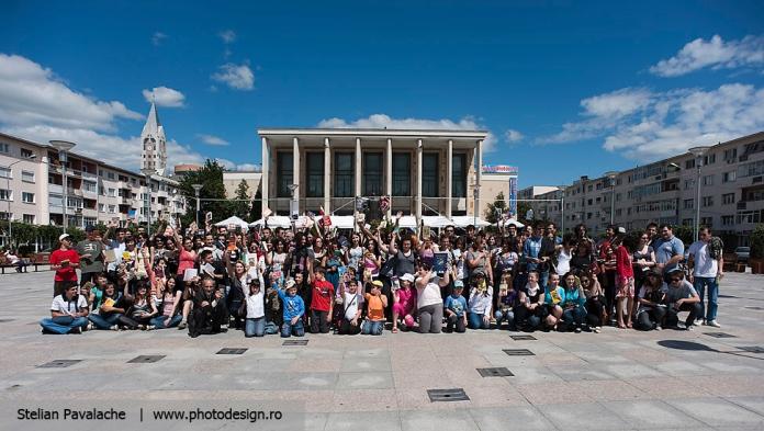 Foto de grup la final de Lecturi Urbane de Bacau
