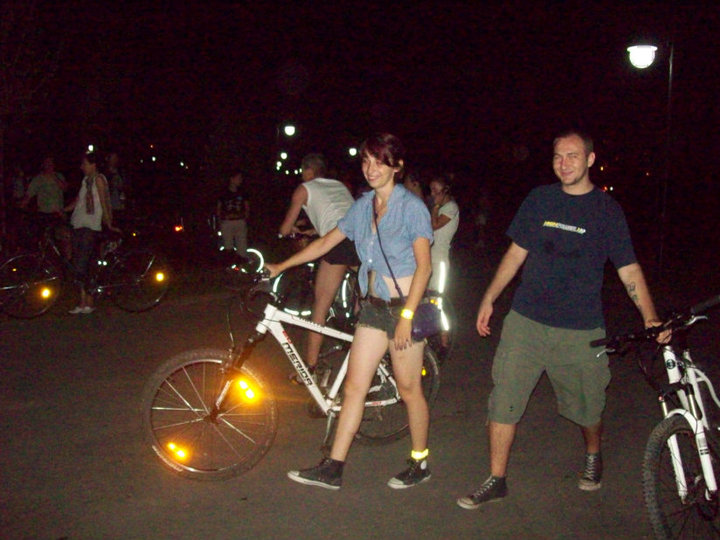 Foto Bikewalk Seara pe strada