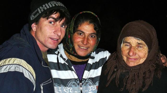 Foto familie de localnici din Sapanta